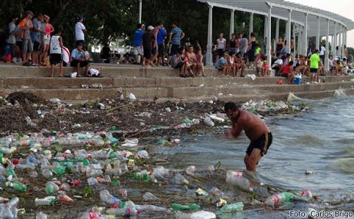Contaminacion del Rio de la Plata.